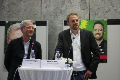 Diskussion 15.09.2017 in Bornheim: Norbert Röttgen und Martin Metz (Foto: Herr Schoppert-Moering, Katholisches Bildungswerk)
